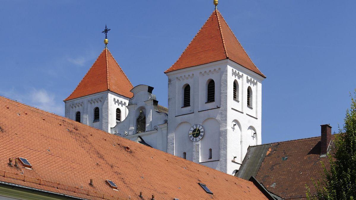 Die Türme des Kloster Mallersdorf