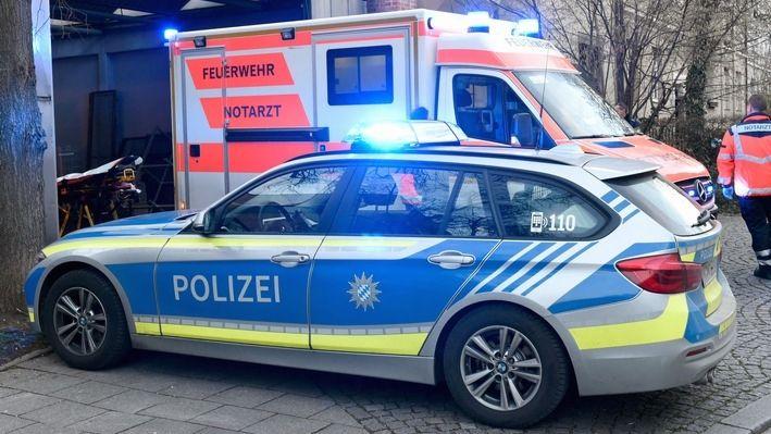 Feuerwehr und Polizei am Unfallort