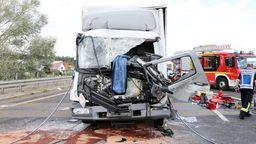 Lkw-Auffahrunfall auf der A45 bei Alzenau   Bild:Raqlf Hettler