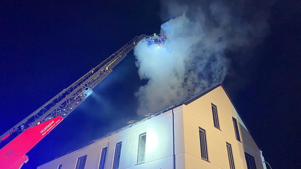 Feuerwehreinsatz wegen eines Dachstuhlbrands