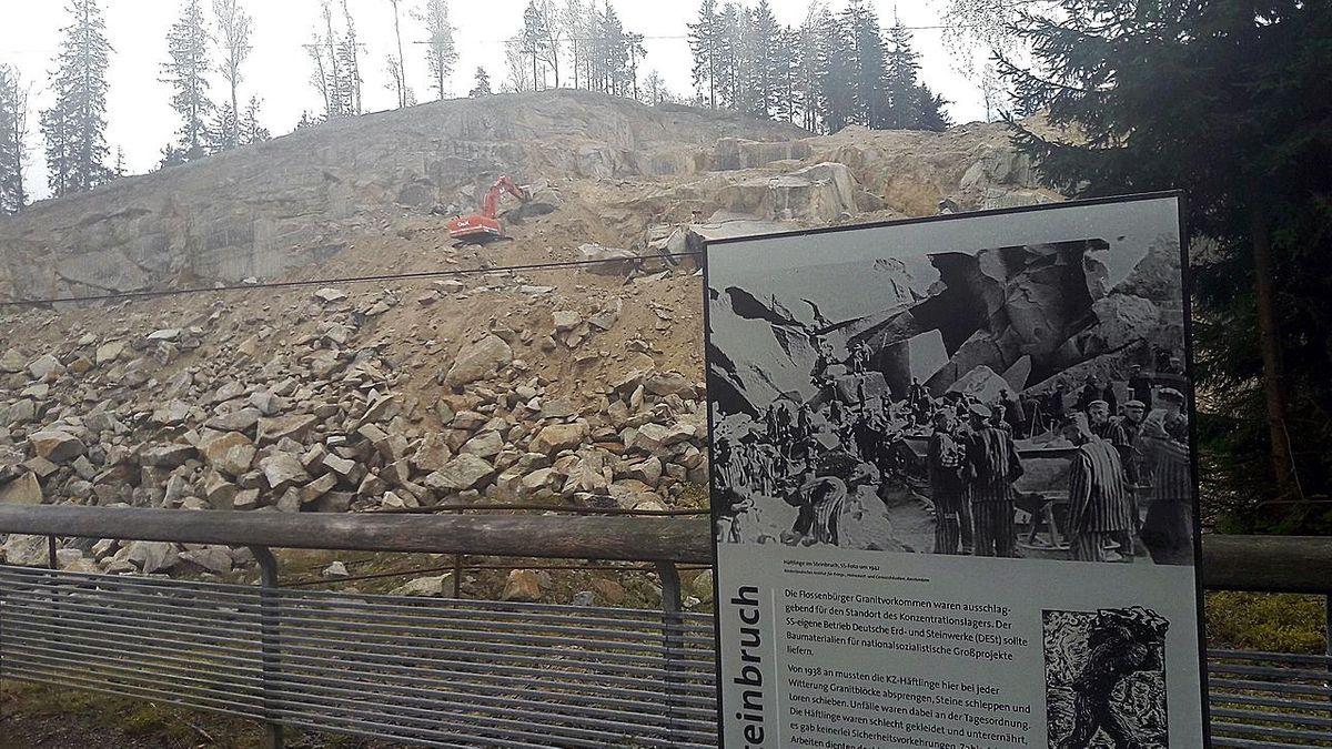Gedenktafel im Steinbruch von Flossenbürg