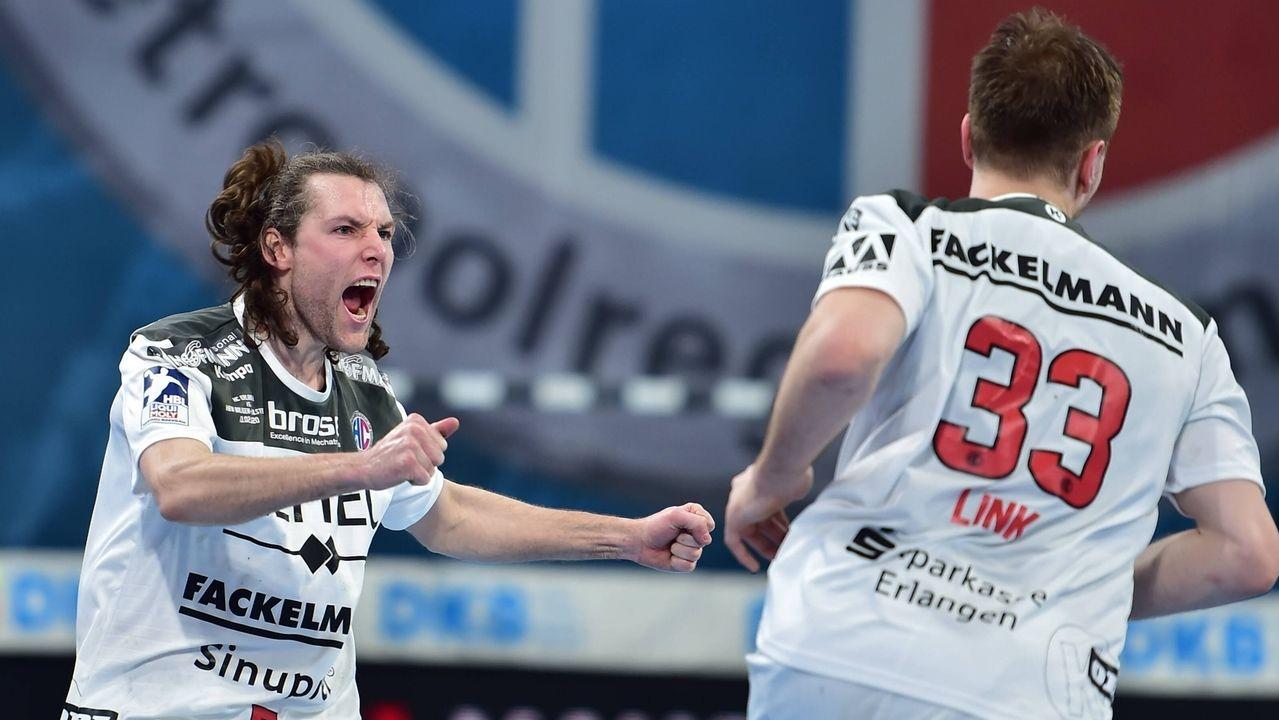 Jubel beim HC Erlangen nach dem Sieg gegen Balingen