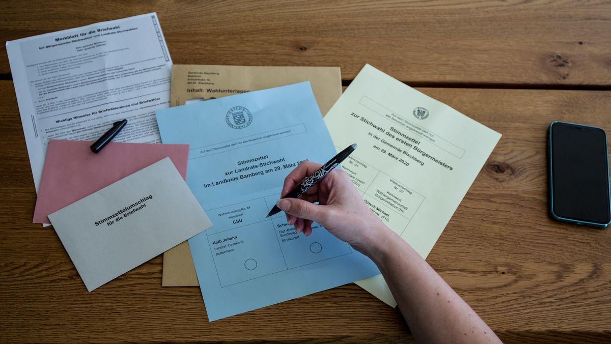Bamberger Briefwahlunterlagen für die Kommunal-Stichwahlen in Bayern (Symbolbild)