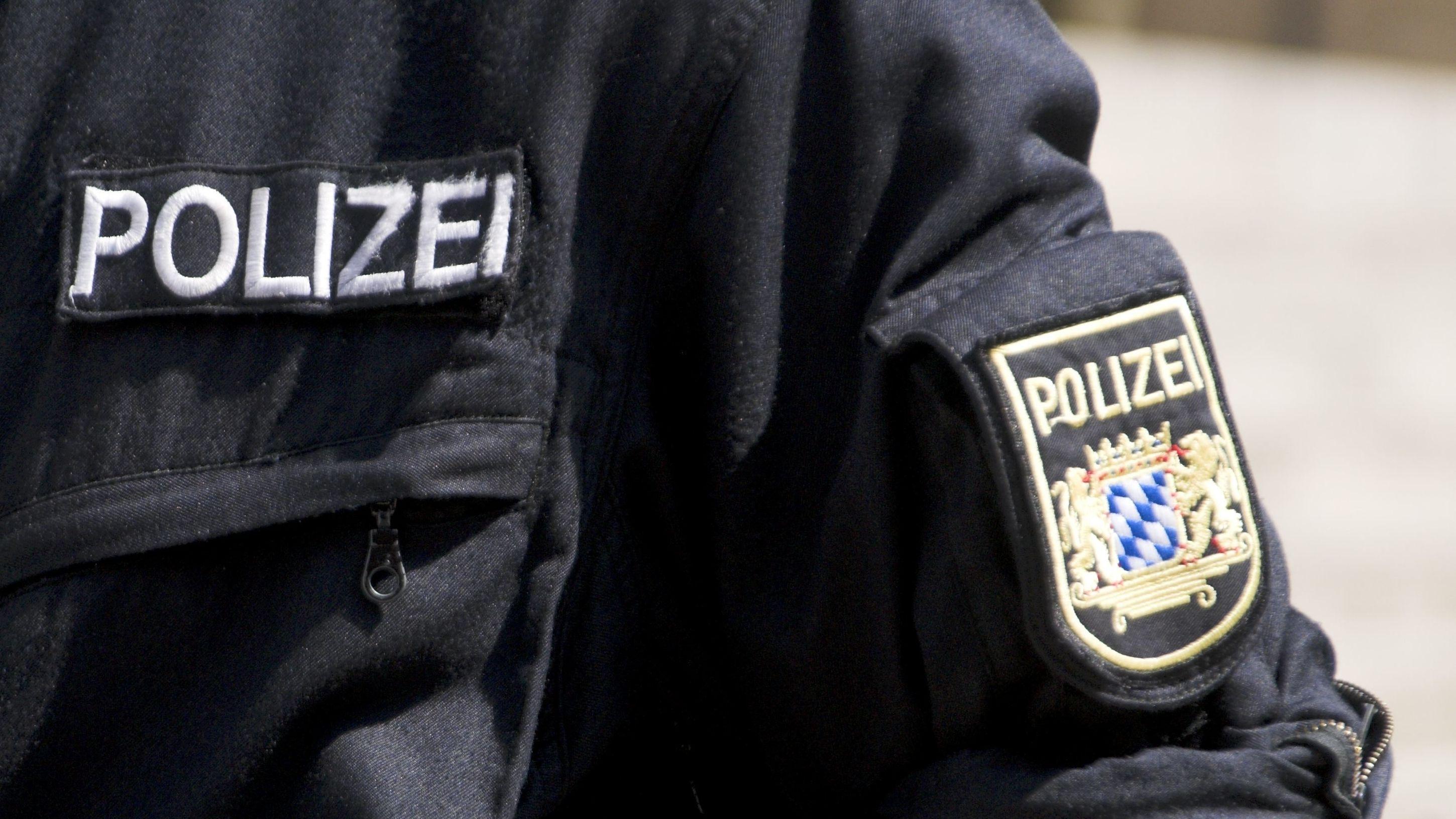 Ein Fehlalarm hat am späten Montagnachmittag einen Großeinsatz der Polizei auf dem Marktplatz von Amberg ausgelöst.