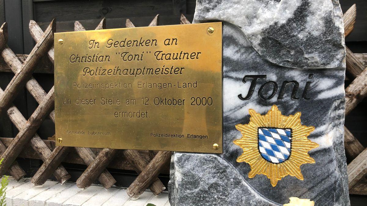 Gedenkstein für einen ermordeten Polizisten in Bubenreuth
