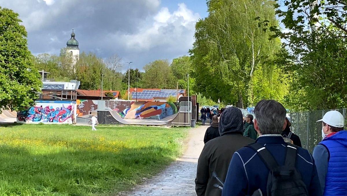 Impf-Schlange in Ebersberg