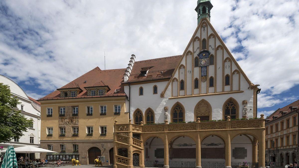 Symbolbild: Rathaus Amberg