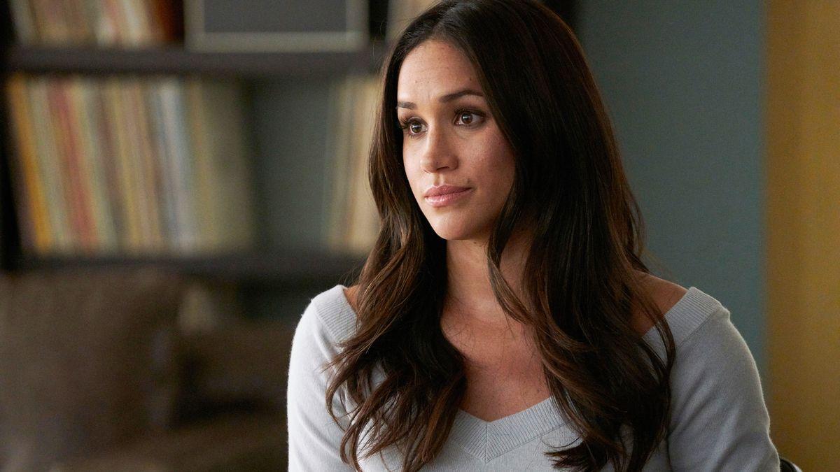 "Meghan Markle in Fernsehserie ""Suits"", 7. Staffel, Folge 1"