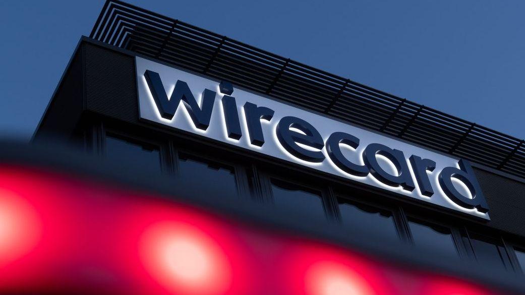 Der Schriftzug von Wirecard ist an der Firmenzentrale des Zahlungsdienstleisters in Aschheim bei München zu sehen..