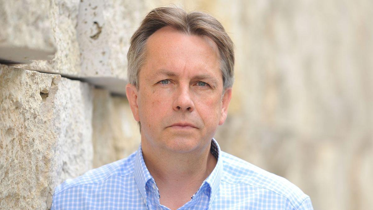 Porträt des Bücherschau-Organisators und Literaturagenten Thomas Kraft