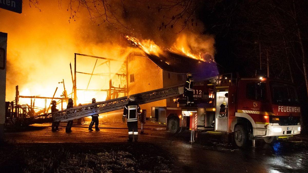 Brennendes Haus in Kaufbeuren, Feuerwehreinsatz