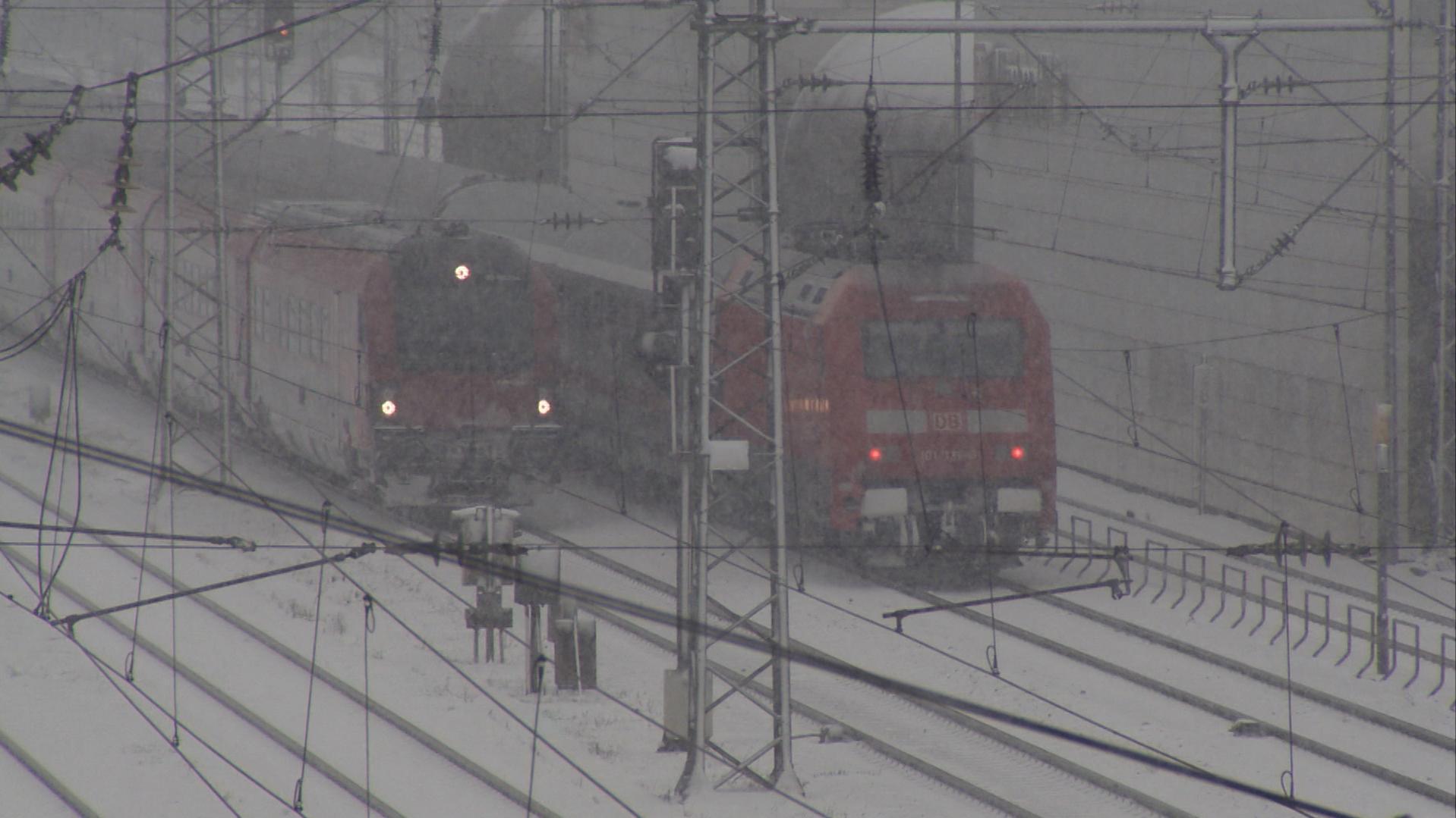 Die Deutsche Bahn warnt vor einem Verkehrschaos.