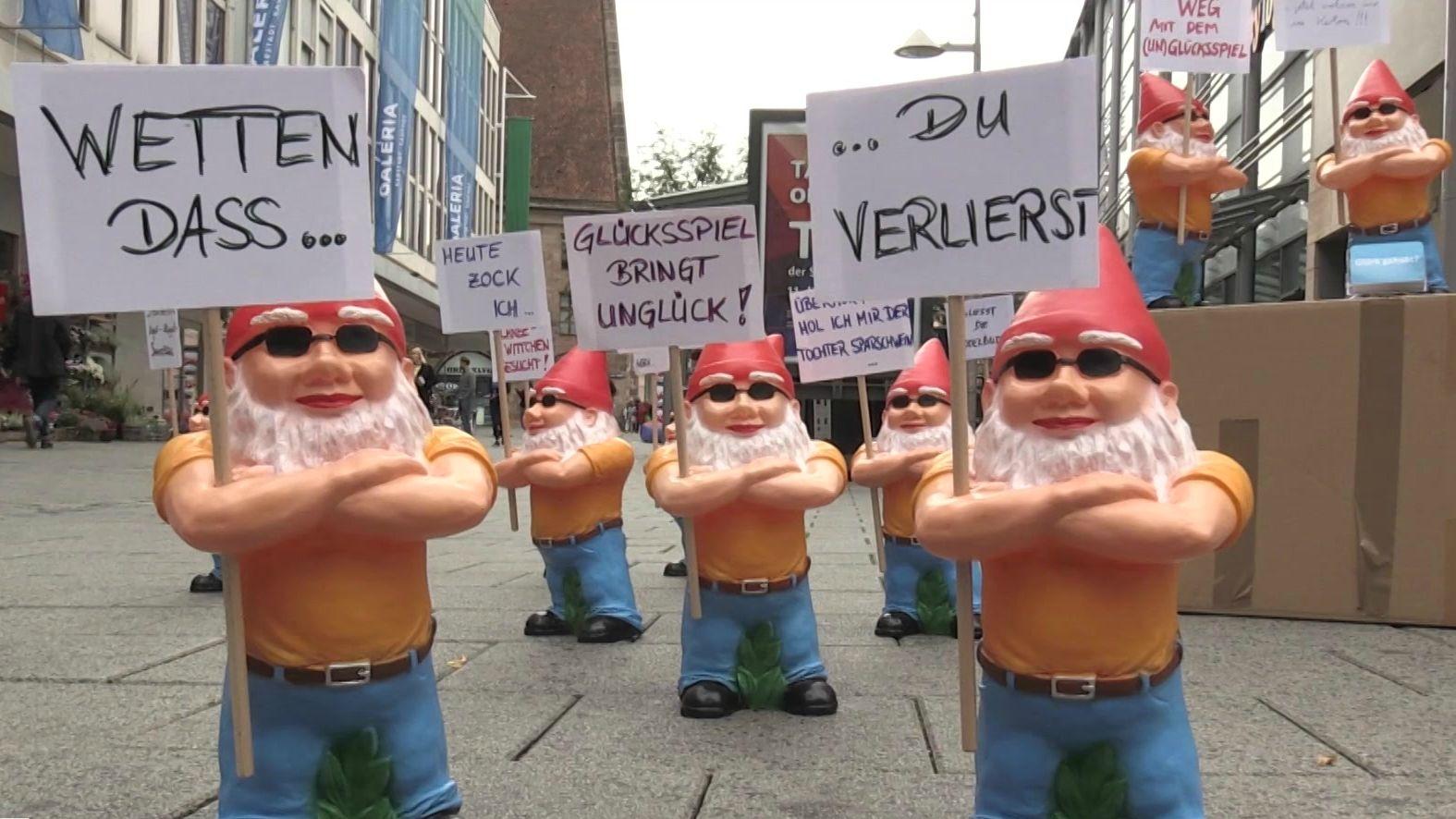 Protest-Zwerge in Nürnberg