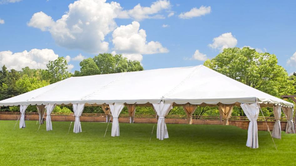 """Unter so einem Zelt könnte """"Schule im Freien"""" stattfinden"""
