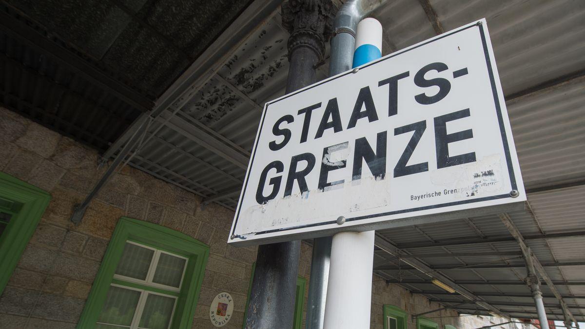 Die Grenze am Bahnhof Bayerisch Eisenstein