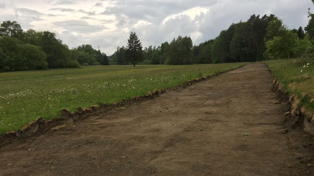 Perlenradweg ohne Genehmigung gebaut