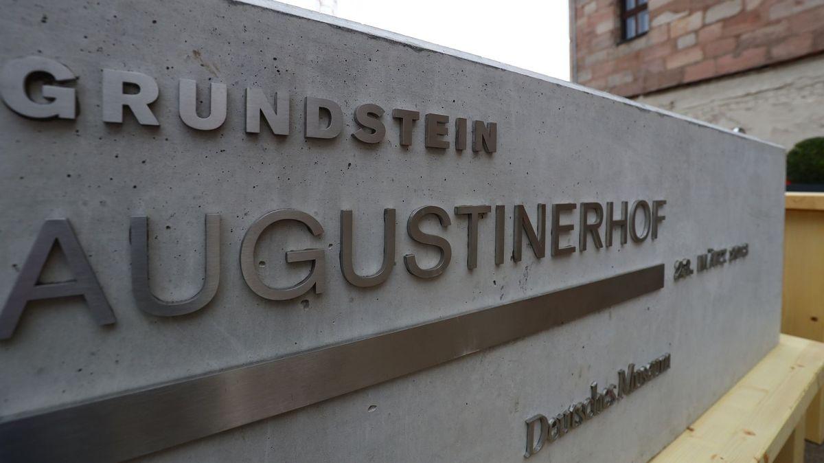 Grundsteinlegung für den Ableger des Münchner Technikmuseums auf dem Gelände des früheren Augustinerhofs.