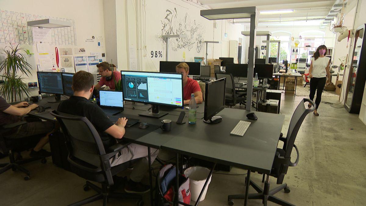 Das Gründerzentrum Zollhof in Nürnberg nimmt Start-ups an die Hand