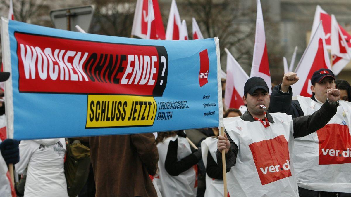 Demonstration für arbeitsfreie Sonntage