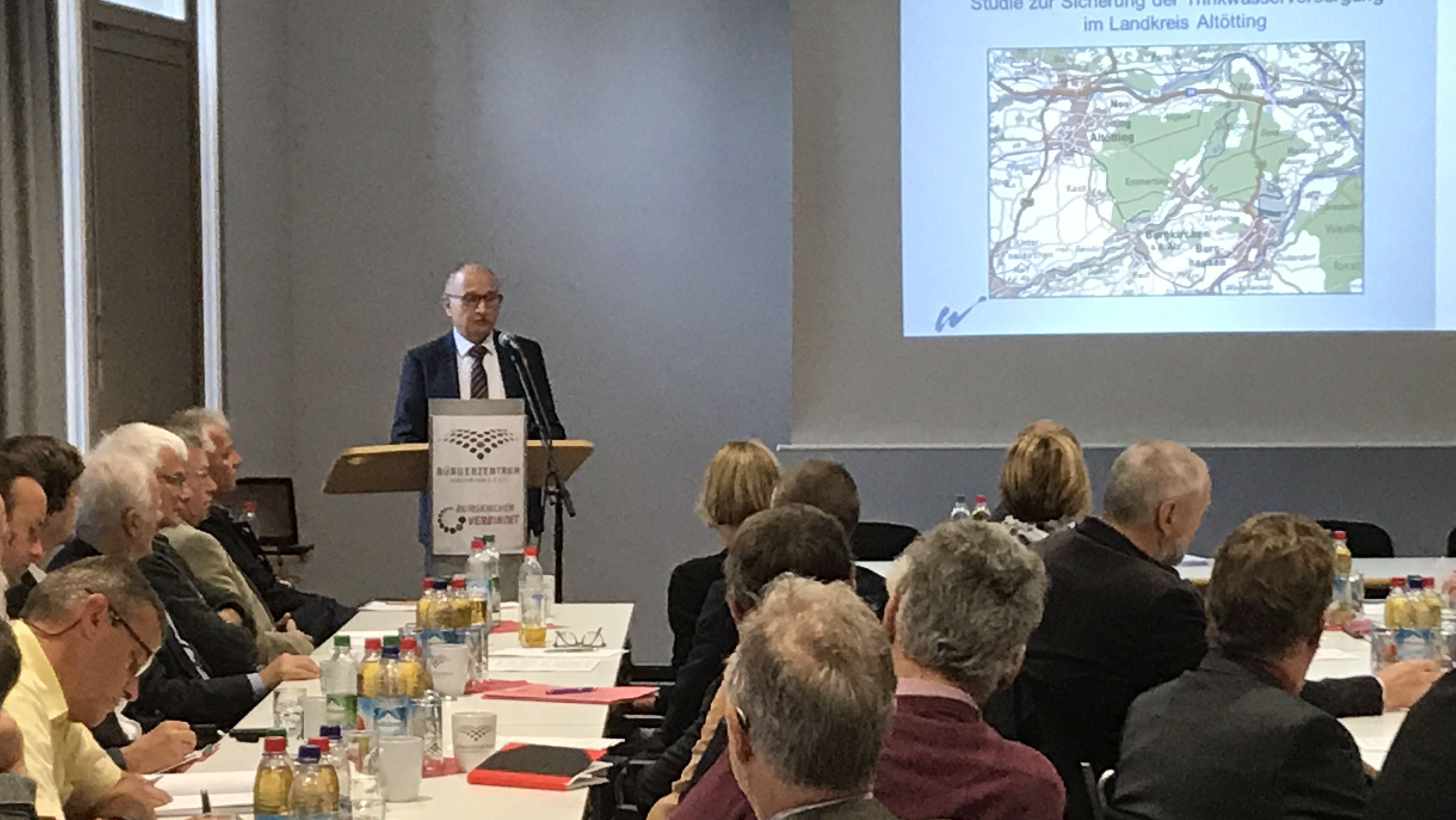 Konferenz in Burgkirchen zu PFOA belastetem Trinkwasser