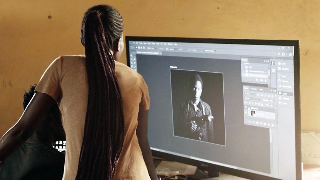 Webdesign-Unterricht in Kenia.