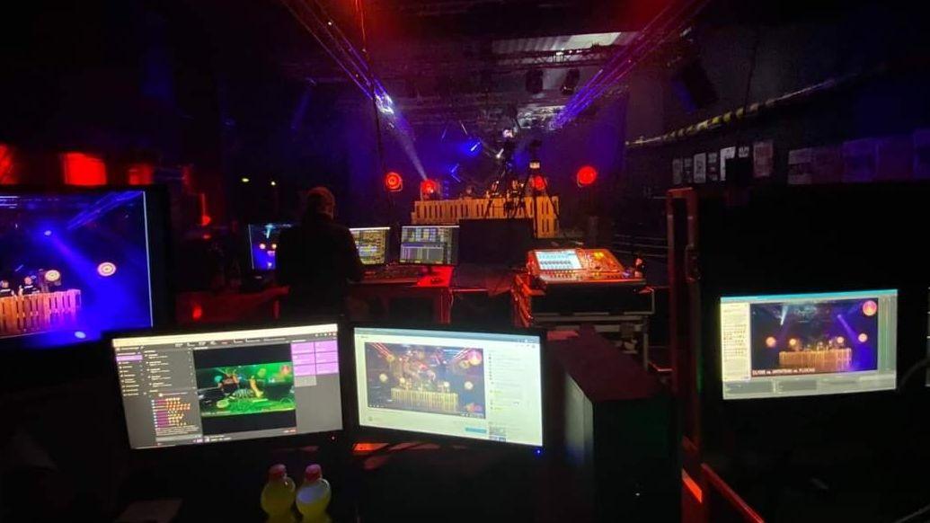 Blick in die Diskothek während des Livestreams.