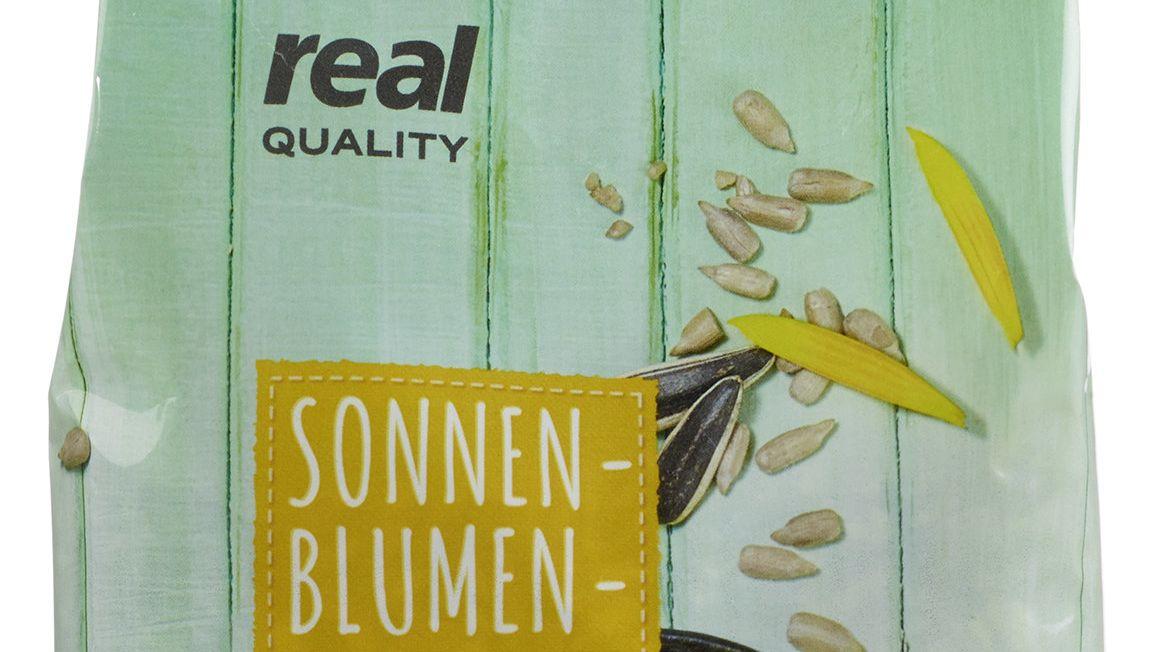 Packung Sonnenblumenkerne von Real, die unter Salmonellenverdacht stehen: real QUALITY Sonnenblumenkerne 500g