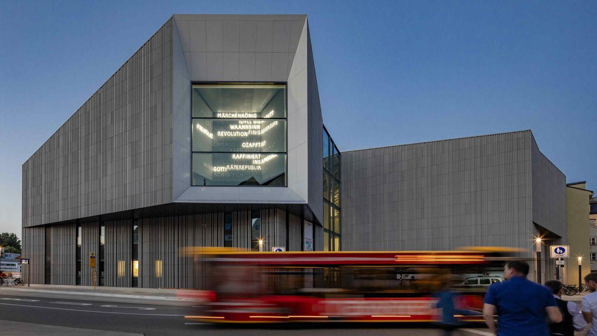 Ansichten des neuen Museums des Hauses der Bayerischen Geschichte in Regensburg am Donaumarkt.