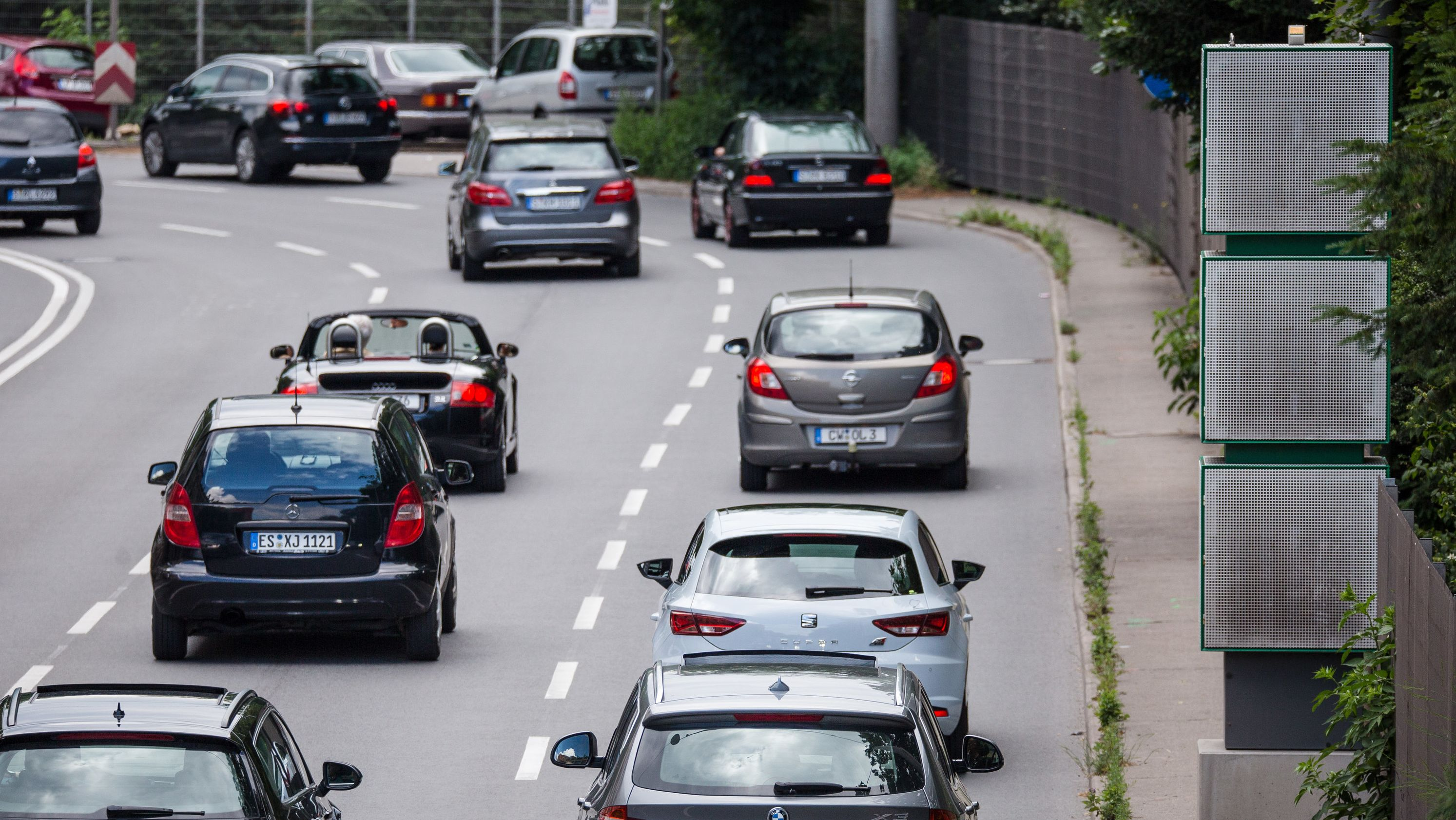 Archivbild: Verkehr am hochbelasteten Stuttgarter Neckartor