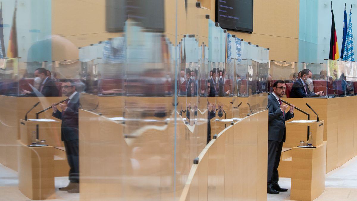 Gesundheitsminister Holetschek spricht im Landtag