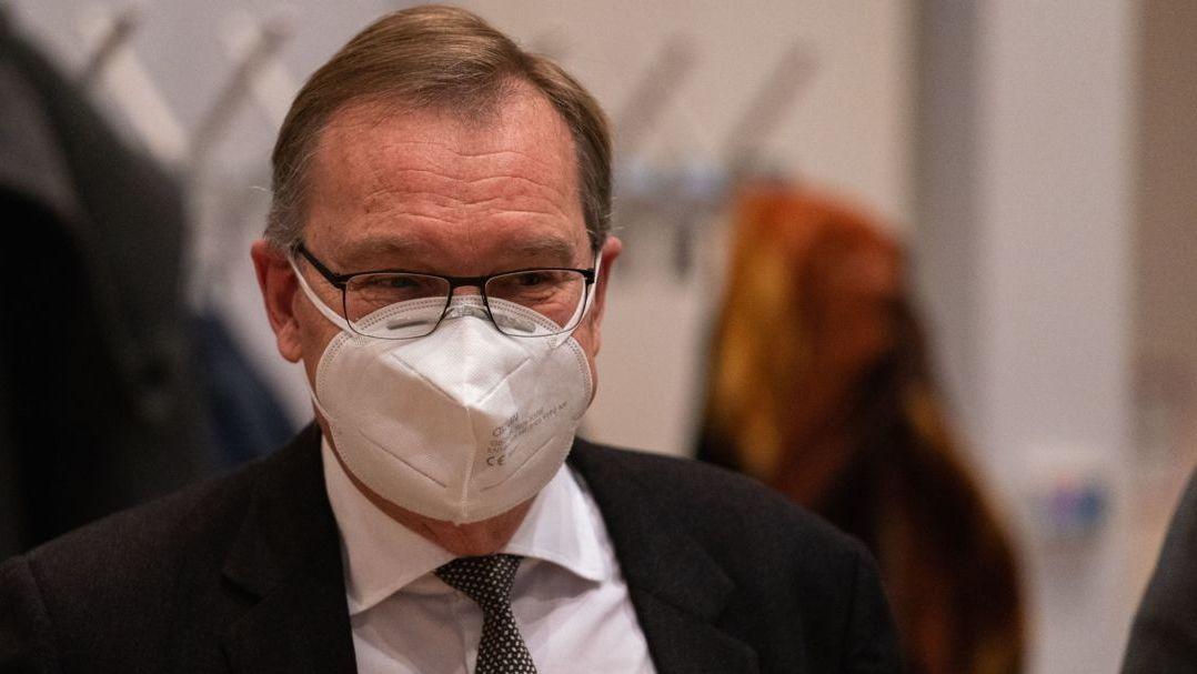 Andreas Starke (SPD), Oberbürgermeister der Stadt Bamberg, mit Mundschutz.