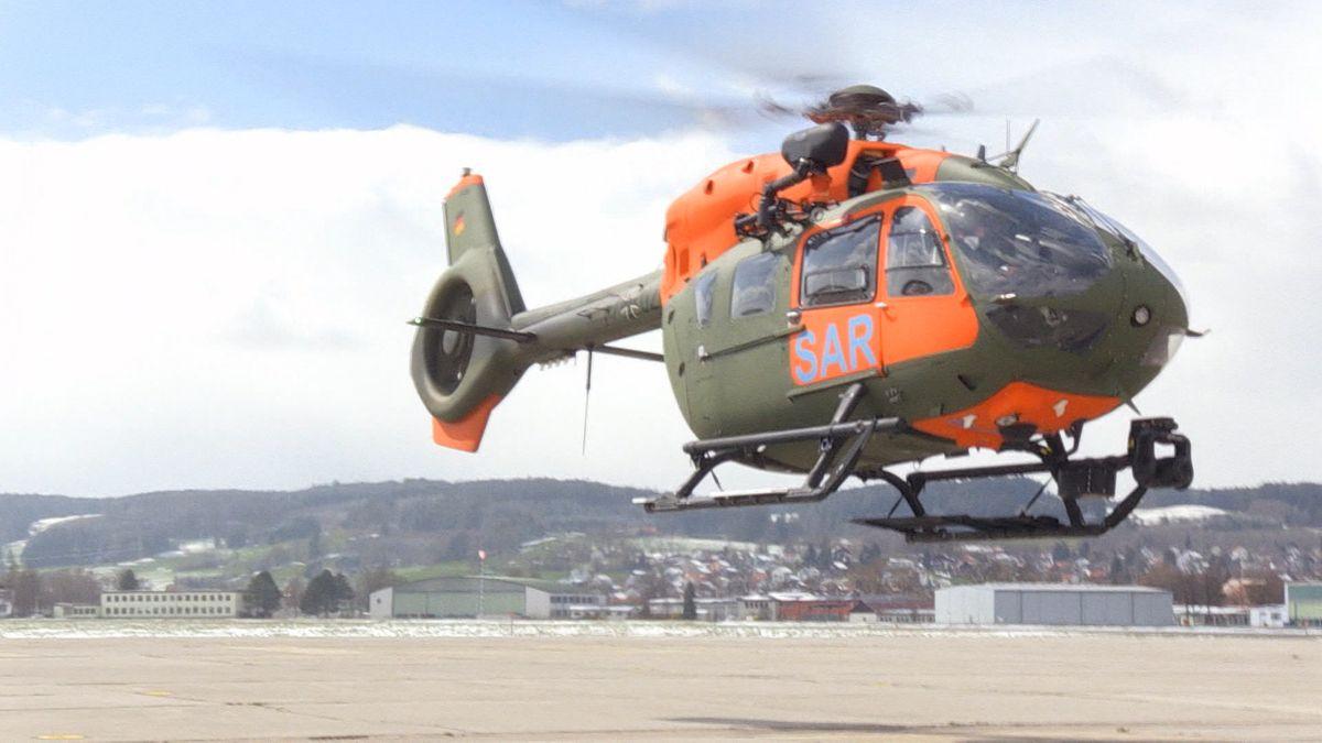 In einer dreiwöchigen Gebirgsübung werden die Besatzungen von Transport- und Rettungshubschraubern im Allgäu für ihre Einsätze geschult.