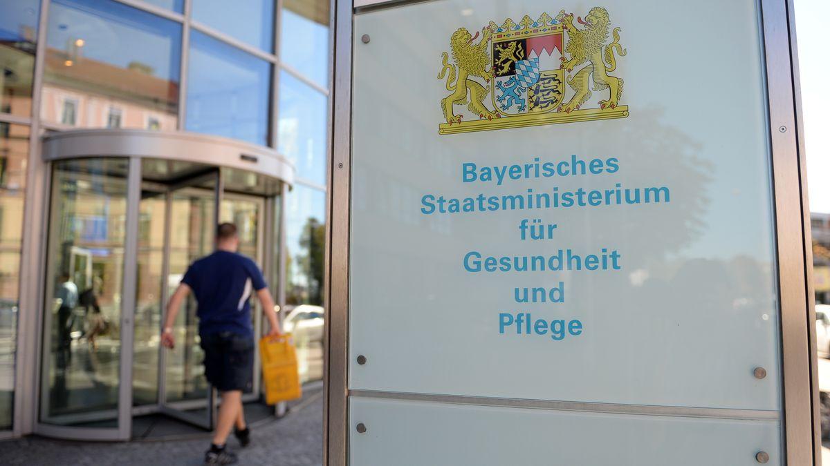 Das Bayerische Staatsministerium für Gesundheit und Pflege hat seinen Dienstsitz in München und Nürnberg.