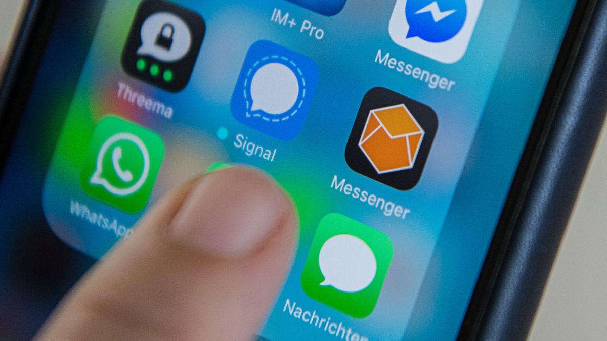 Messenger-Dienste auf einem Smartphone (Symbolbild)