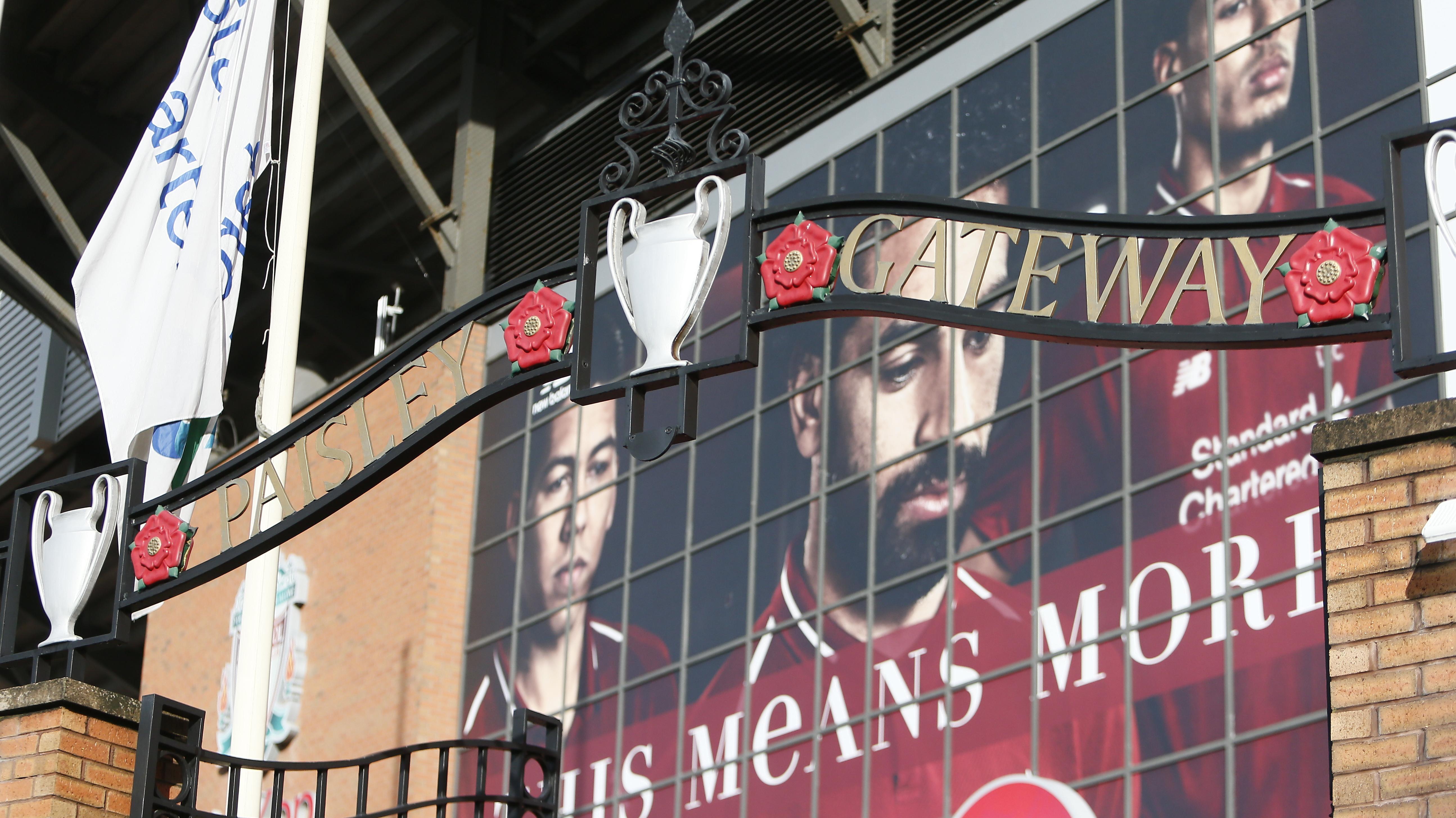 """Eingang zur Liverpool-Fantribüne """"The Kop"""""""