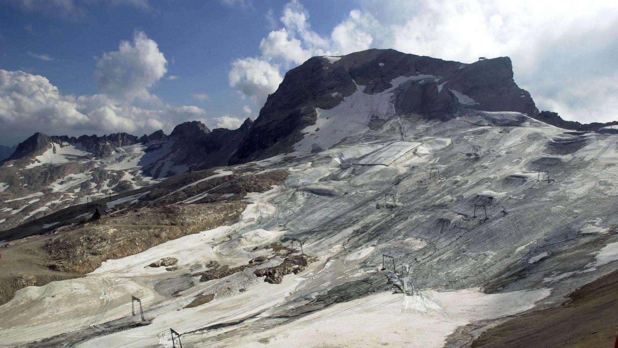 Der Zugspitzgletscher - ein kleiner Rest eines ursprünglich beeindruckenden Gletschers in den Alpen.
