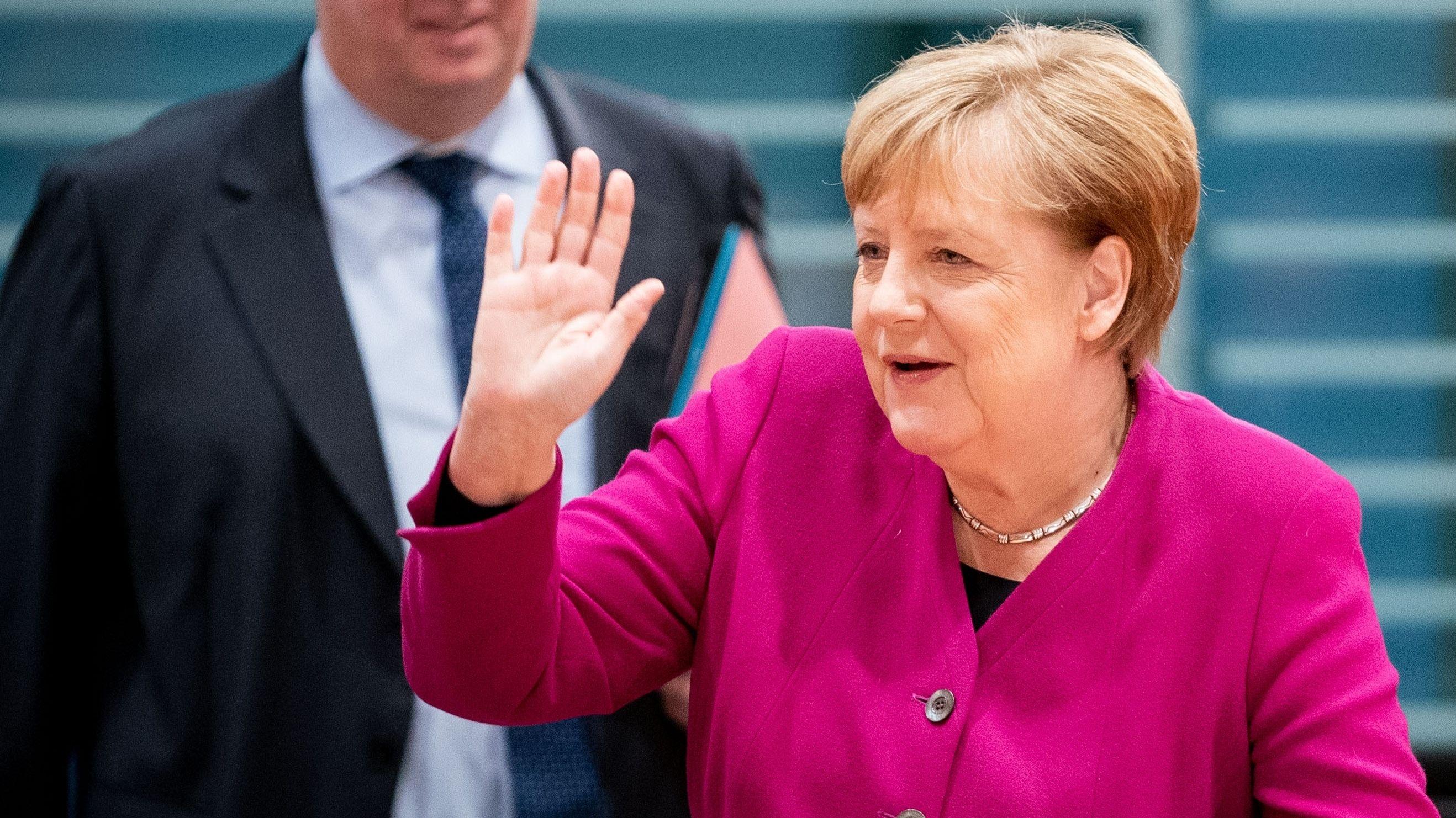 Angela Merkel, hier beim Agrargipfel im Dezember, kommt nach Deggendorf: Die Landwirte sind beleidigt, weil es in Niederbayern kein Treffen gibt.