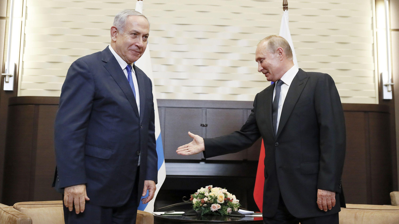 Wladimir Putin begrüßt Benjamin Netanjahu