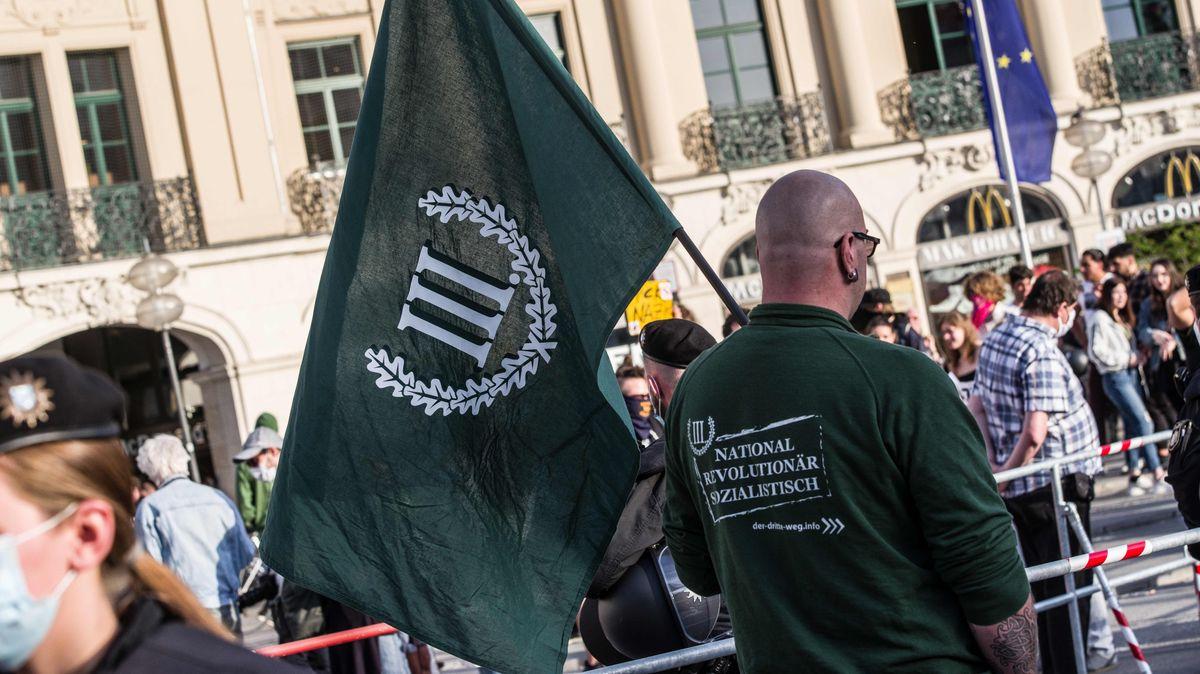 """Kundgebung der Neonazi-Partei """"Der dritte Weg"""" in München (Symbolbild)"""