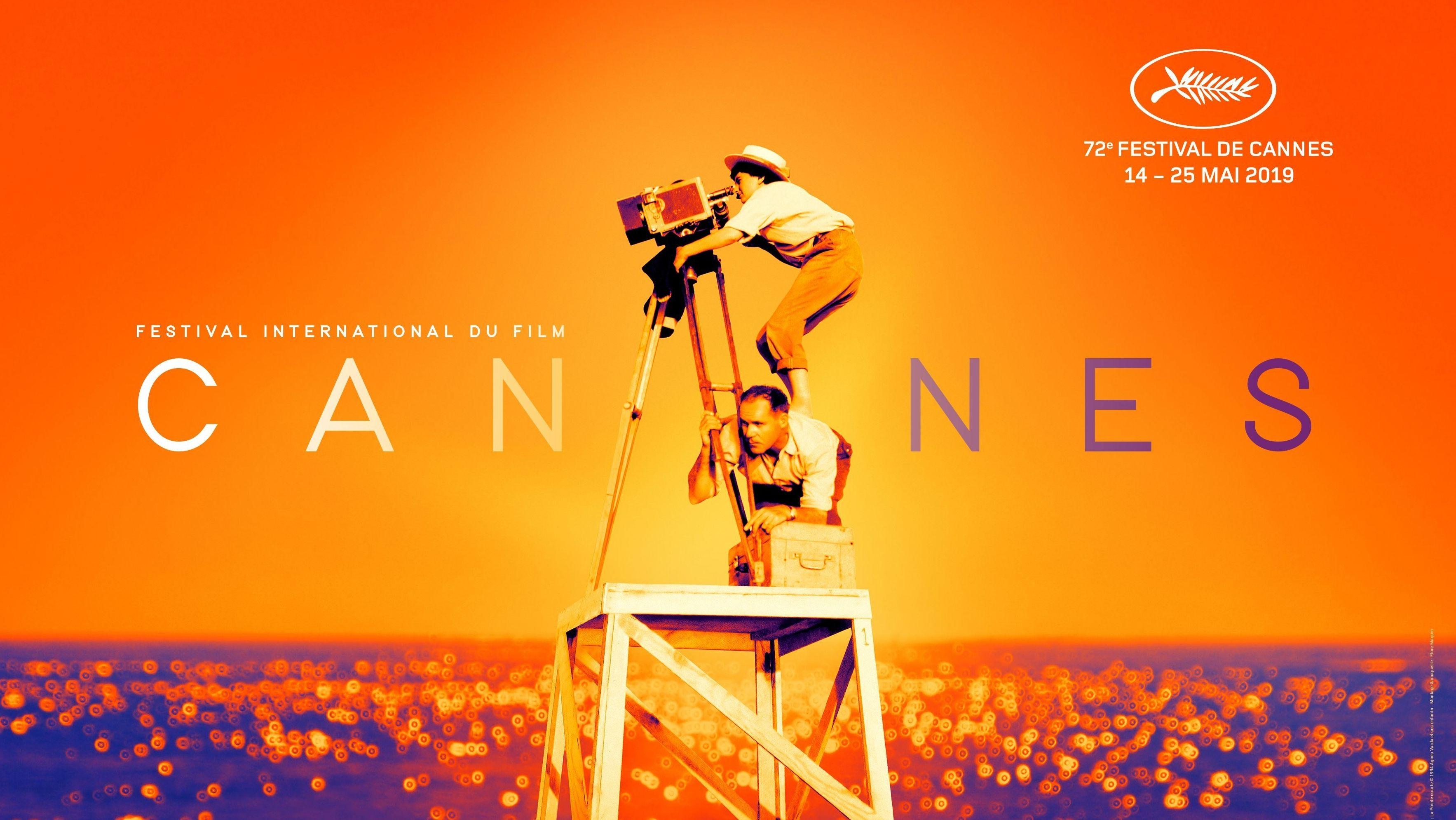 """Das offizielle Plakat der 72. Filmfestspiele in Cannes zeigt die im März 2019 verstorbene Regisseurin Agnes Varda bei den Dreharbeiten zu ihrem Film """"La Pointe Courte"""" (1955)"""