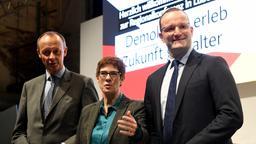 Friedrich Merz, Annegret Kramp-Karrenbauer und Jens Spahn (v. l.) in Lübeck | Bild:pa / dpa / Carsten Rehder