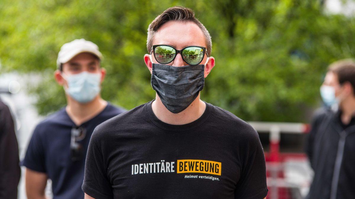 Extreme Rechte mit Hipster-Auftreten, aber nur einem Dutzend aktiver Mitglieder - die Identitären in Bayern