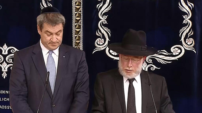 Ministerpräsident Markus Söder und Rabbiner Shmuel Aharon Brodman in der Münchner Synagoge