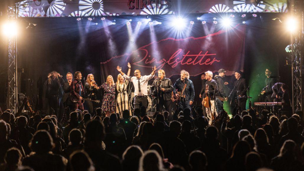 Symbolbild: Hannes Ringlstetter mit Freunden – Live auf der Bühne!