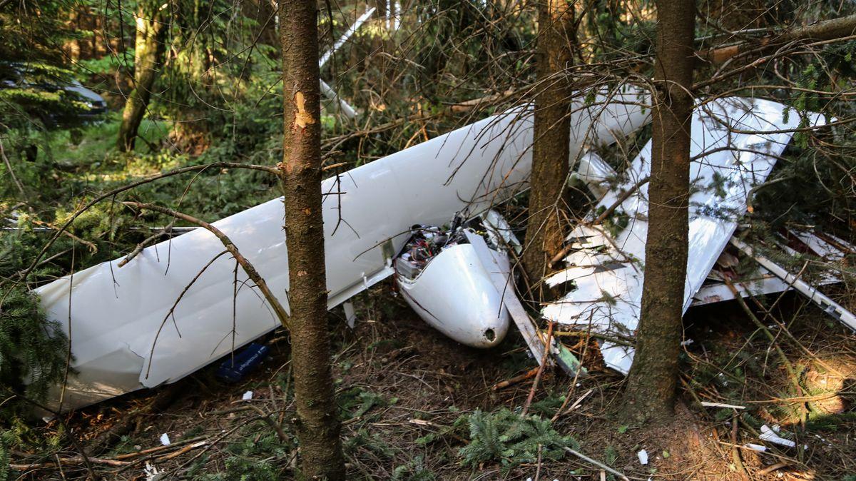 Wrack eines abgestürzten Kleinflugzeugs