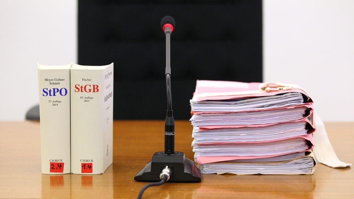 Richtertisch im Landgericht Kempten