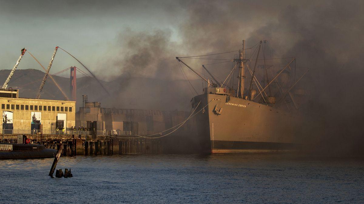 Großbrand im Hafen von San Francisco
