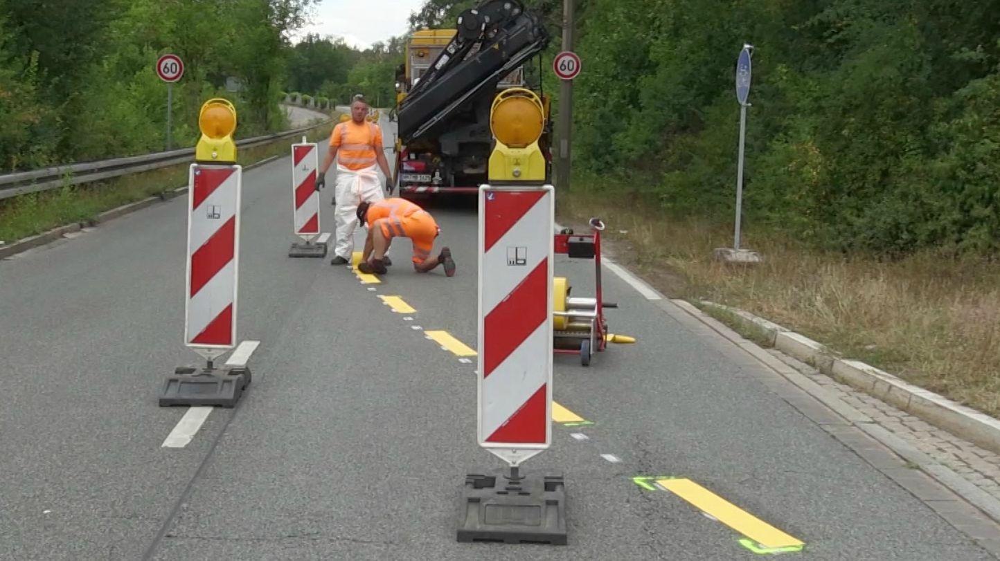 """Auch Erlangen bekommt nun seinen ersten sogenannten """"Pop-up""""-Radweg - und zwar am vierspurigen Kosbacher Damm."""