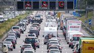 Stau auf der A9 bei München | Bild:picture-alliance/Matthias Balk