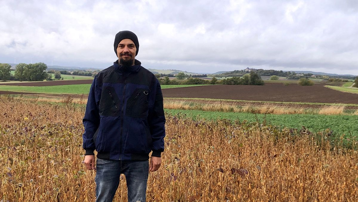 Landwirt Andreas Gerner sucht nach Soja-Paten